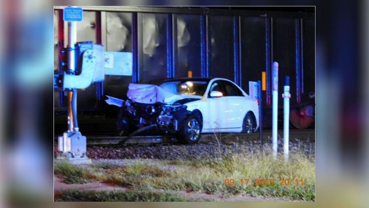 No injuries reported in train-car collision in Middletown, police say