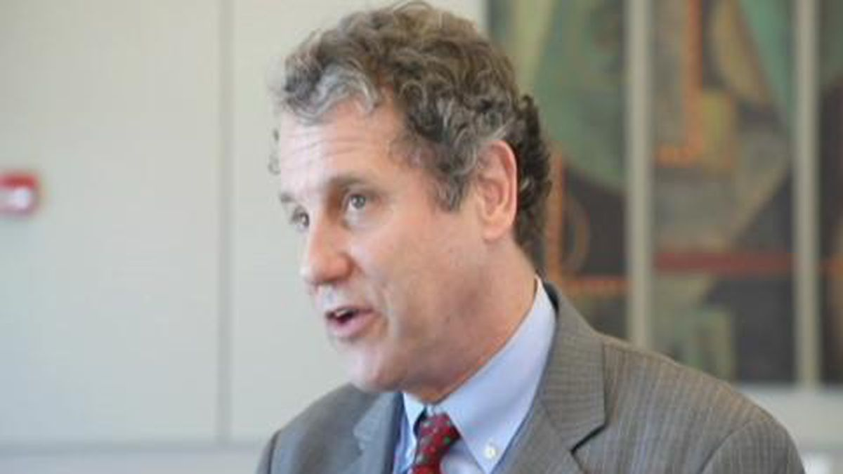 Coronavirus: Ohio Sen. Brown proposes 'hazard pay' for essential workers