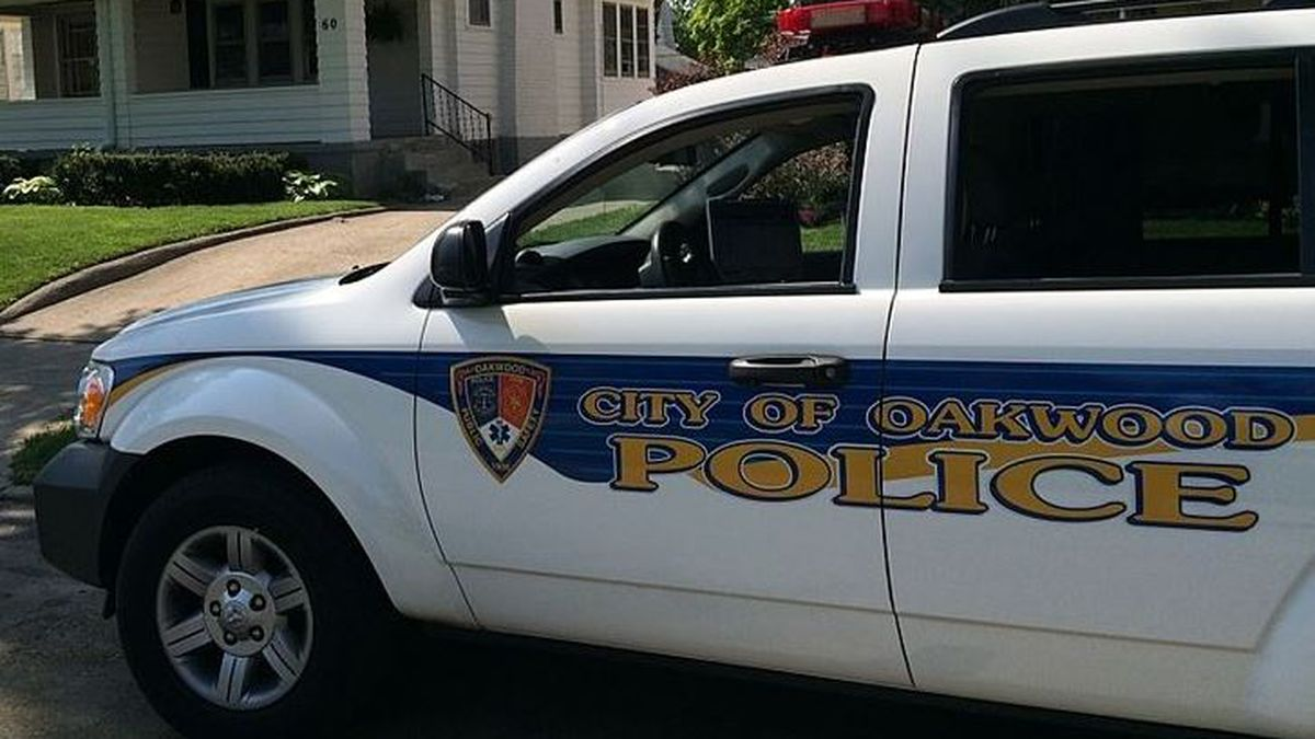 Oakwood pursuing plans to buy cruiser, body cams for officers