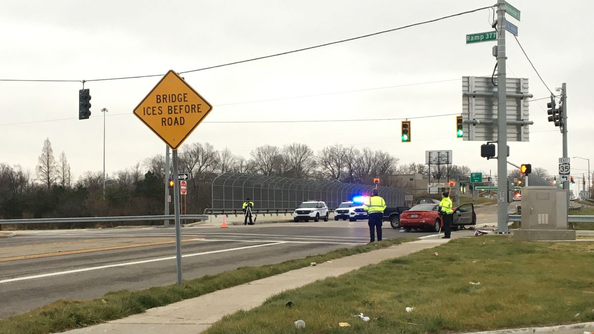 UPDATE: South Smithville Road reopens after crash investigation; at least 2 injuries reported