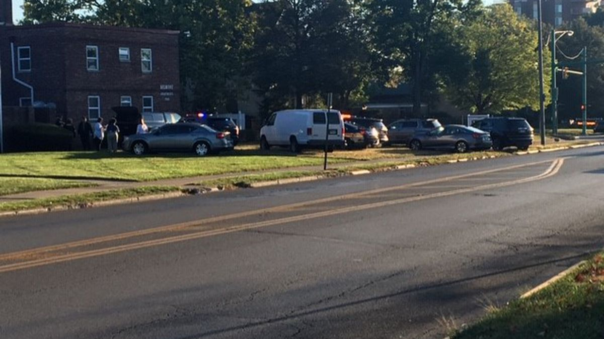 3 arrested after deputies search Springfield apartment complex
