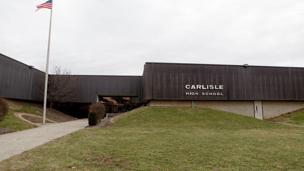 Sewage line issue closes Carlisle High School