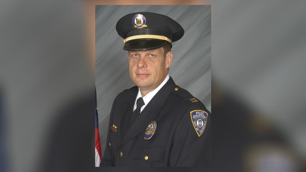 Centerville police chief retires after nearly 40 years