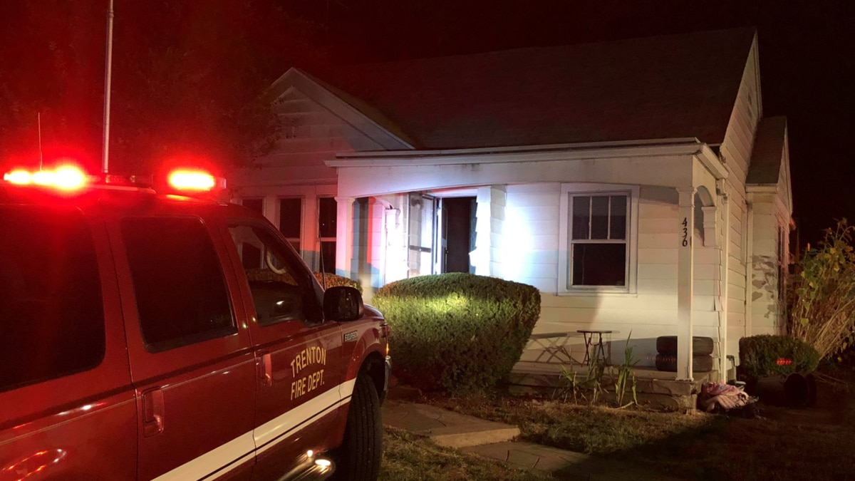 3 hospitalized after escaping from burning house in Trenton