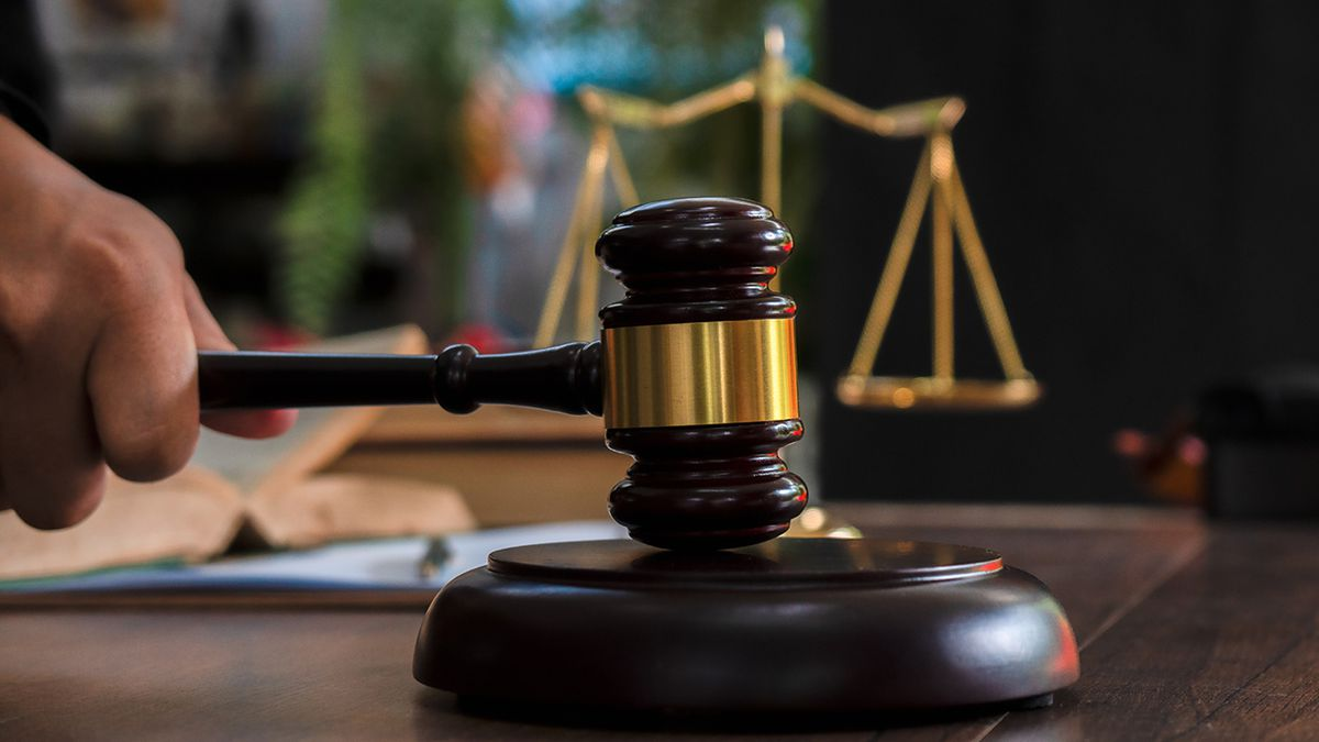 Urbana attorney suspended, accused of burglary in Champaign County case