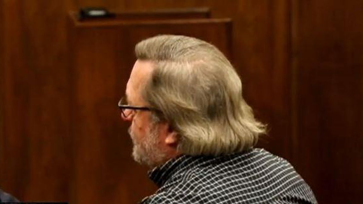 Former financial adviser sentenced to 5 years prison, pay over $34K to one victim
