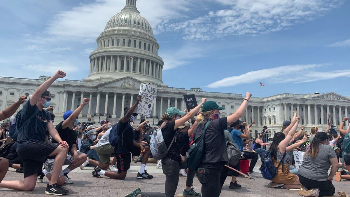 Crowd of peaceful protesters gather outside U.S. Capitol