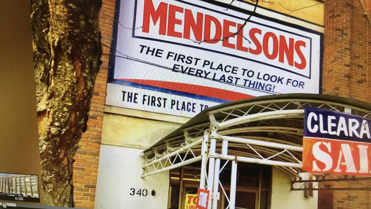 Mendelson's closing and selling everything in the downtown store