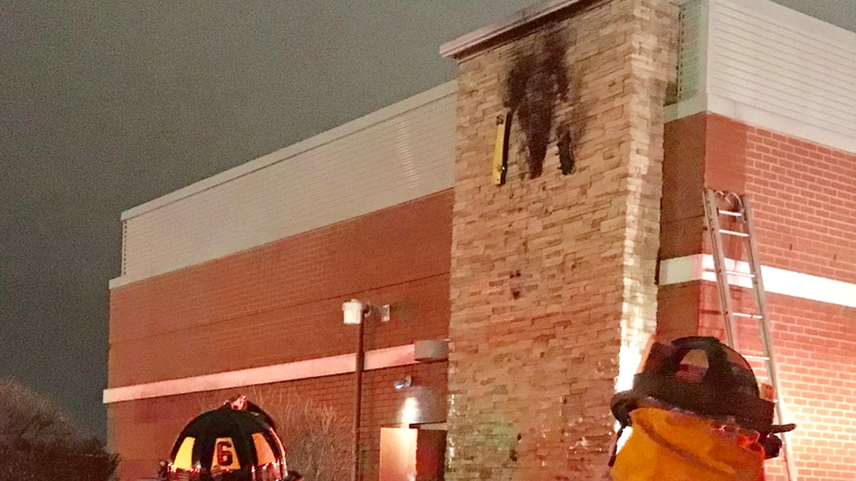 McDonald's sign catches fire in Troy