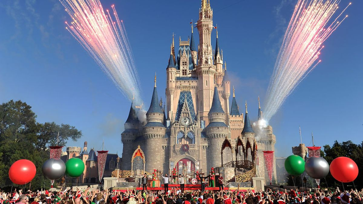 Disney 'incorrectly charged' annual passholders on monthly payment plan