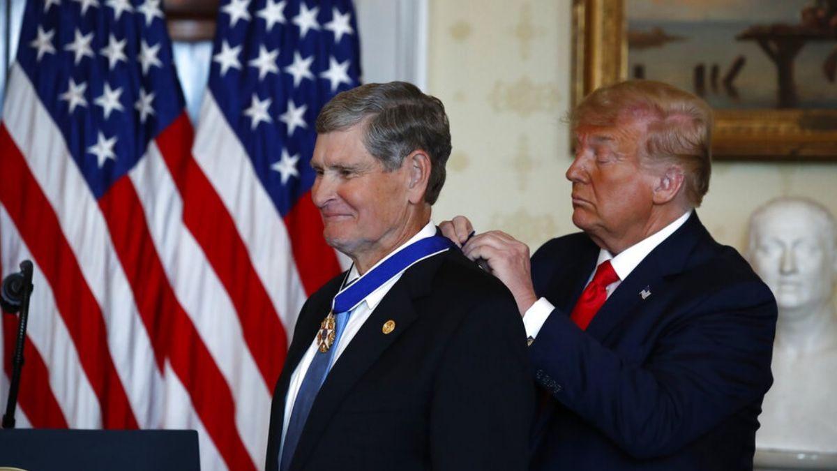 Former track star Jim Ryun awarded Presidential Medal of Freedom