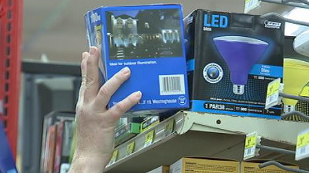 Blue lights selling out in support of Det. Del Rio and Dayton police