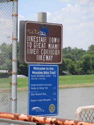 Moraine installs new bike trail signs