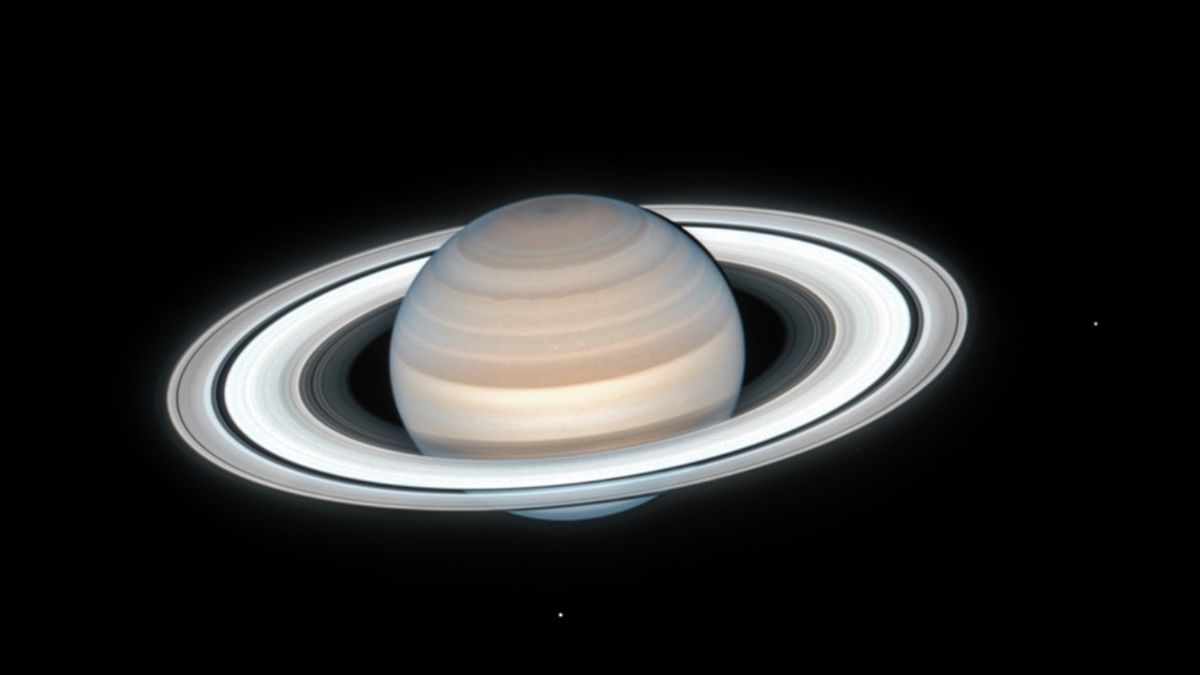 Heavenly body: Hubble telescope captures sharp image of Saturn during summertime