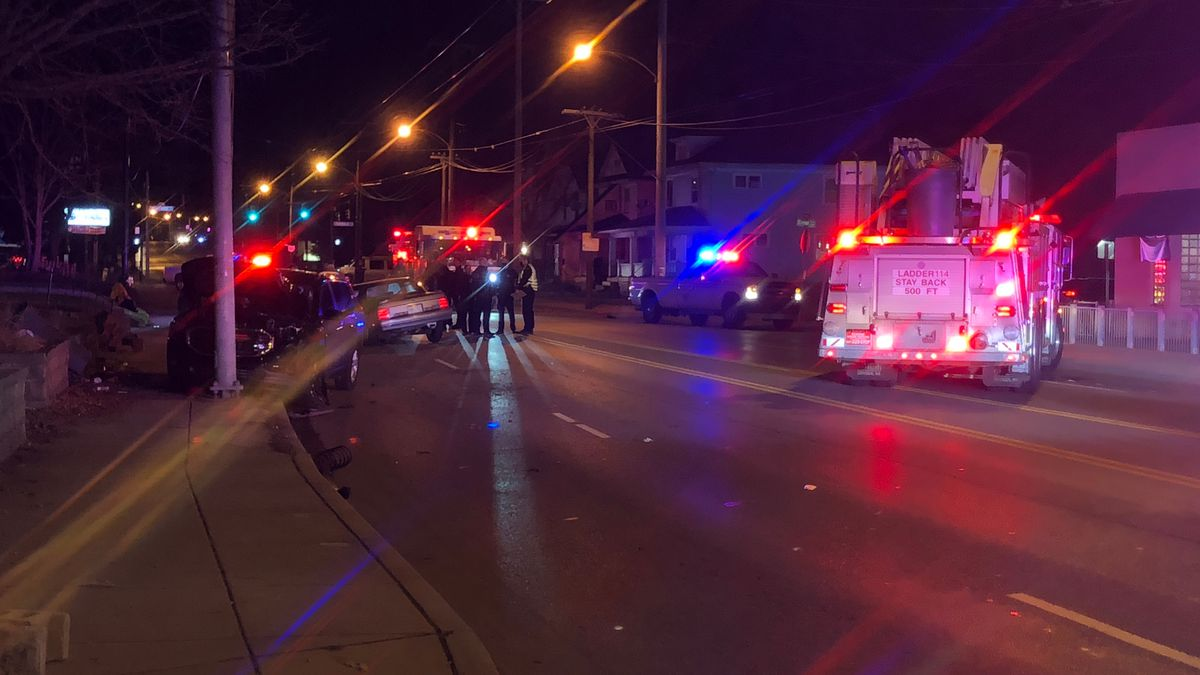 Injuries reported after 4-vehicle crash on North Main Street in Dayton Wednesday